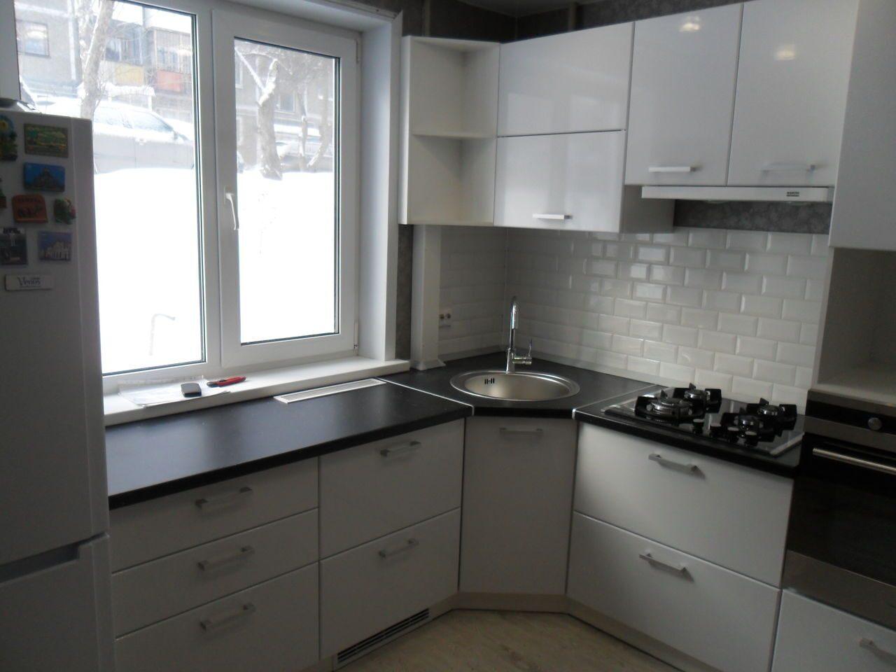Столешница для кухни нестандартные Душевой поддон из искусственного камня Hi-Macs Бунинская аллея